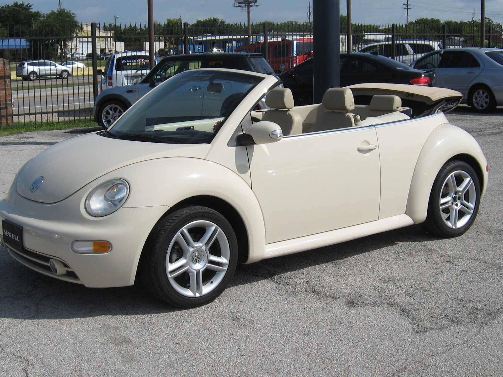 2005 volkswagen new beetle convertible 2d gls turbo welcome to autoworldtx. Black Bedroom Furniture Sets. Home Design Ideas